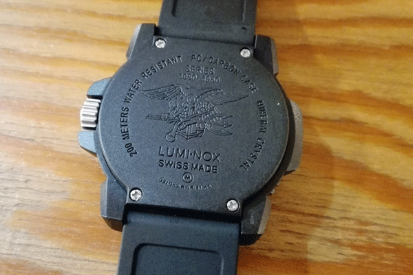 luminox-3051-review-sub2