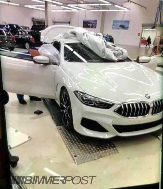 BMW新型クーペ「8シリーズ」のリーク写真が流出!気になるエクステリアとインテリアは!?