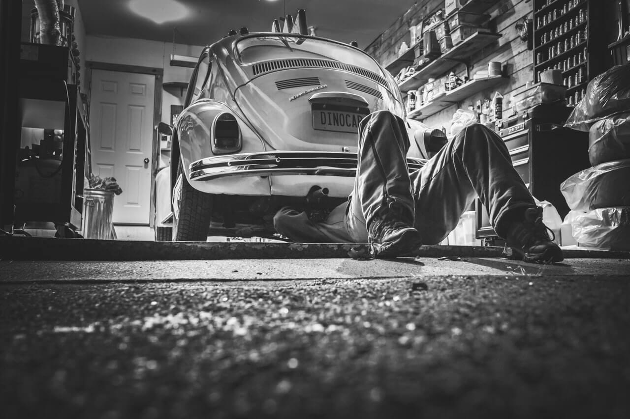 状態が良い中古車の購入を見極めるポイント⑤:車の下部部分の状態
