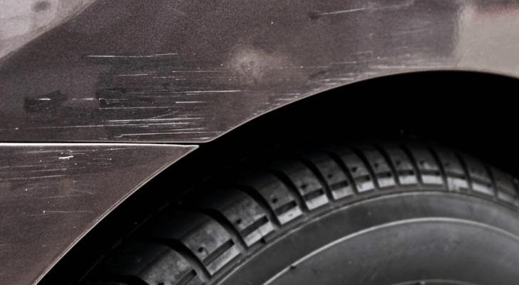 状態が良い中古車の購入を見極めるポイント①:外装の傷