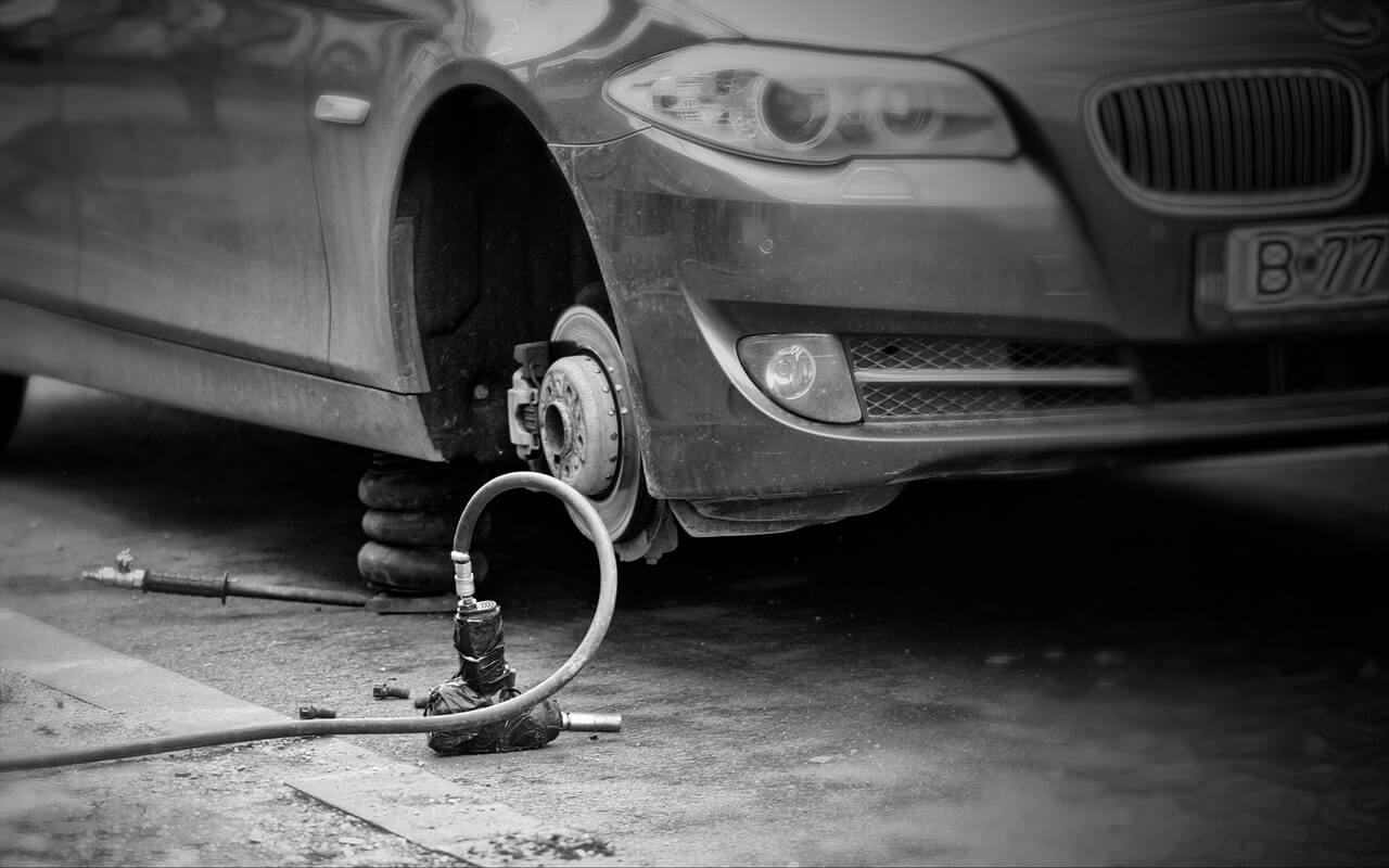 状態が良い中古車の購入を見極めるポイント③:タイヤハウスの状態