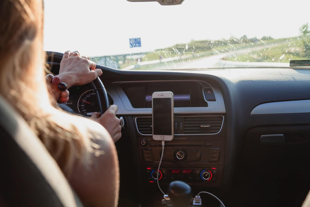 アウディ自動車保険プレミアムのメリット①:フロントガラス損害補償